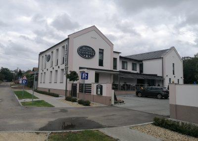 Czinege hotel és étterem, Kóka